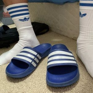 Gym shoes 👟 Adidas slippers US 10.5